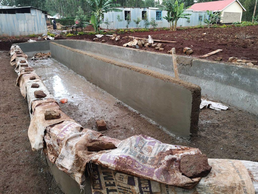 Dichtes Becken durch wasserfesten Zement
